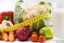 natural weight loss1 220x150 - برای لاغری چی بخوریم؟ 35 غذای رژیمی برای لاغر شدن سریع