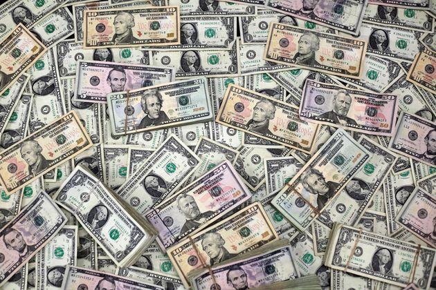 41422 484 - قیمت دلار و قیمت یورو در بازار امروز پنج شنبه ۶ خرداد ۱۴۰۰
