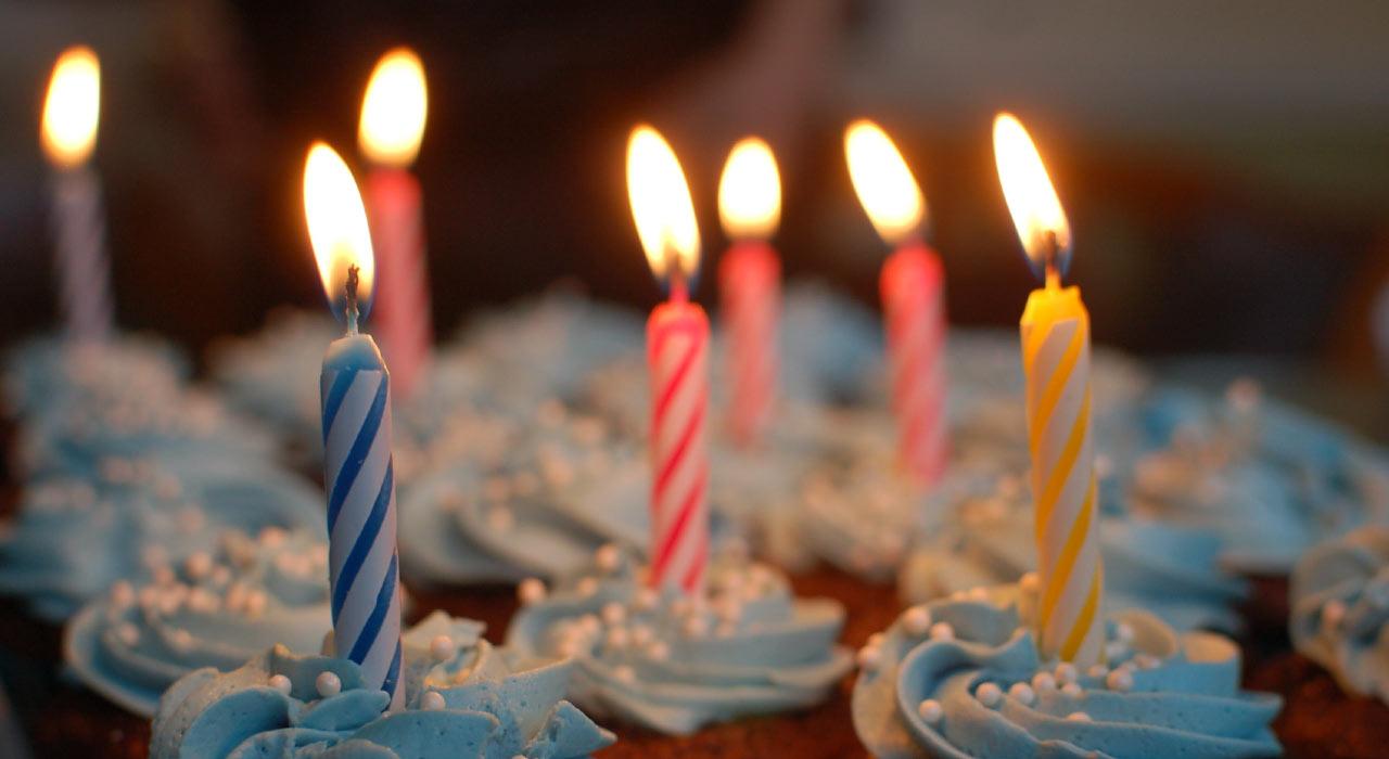 "happy birthday in different languages - نحوه گفتن ""تولدت مبارک"" به 25 زبان مختلف دنیا"