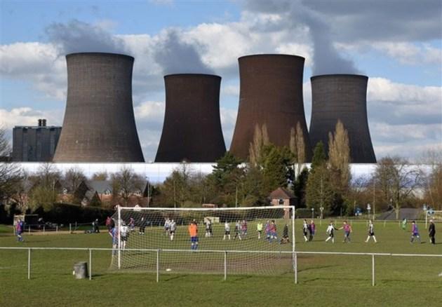 44076 247 - فیلم لحظه دیدنی تخریب چهار برج خنک کننده نیروگاهی در انگلیس